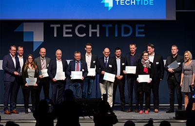 Die Conova24 GmbH (7.v.l.) mit der Auszeichnung als Digitaler Ort Niedersachsen